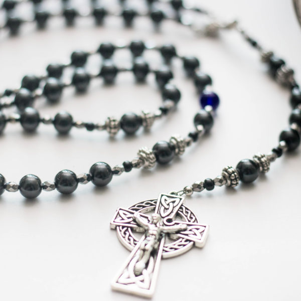 Black pearl | Host/Chalice Centerpiece | Celtic Crucifix | Catholic Rosary